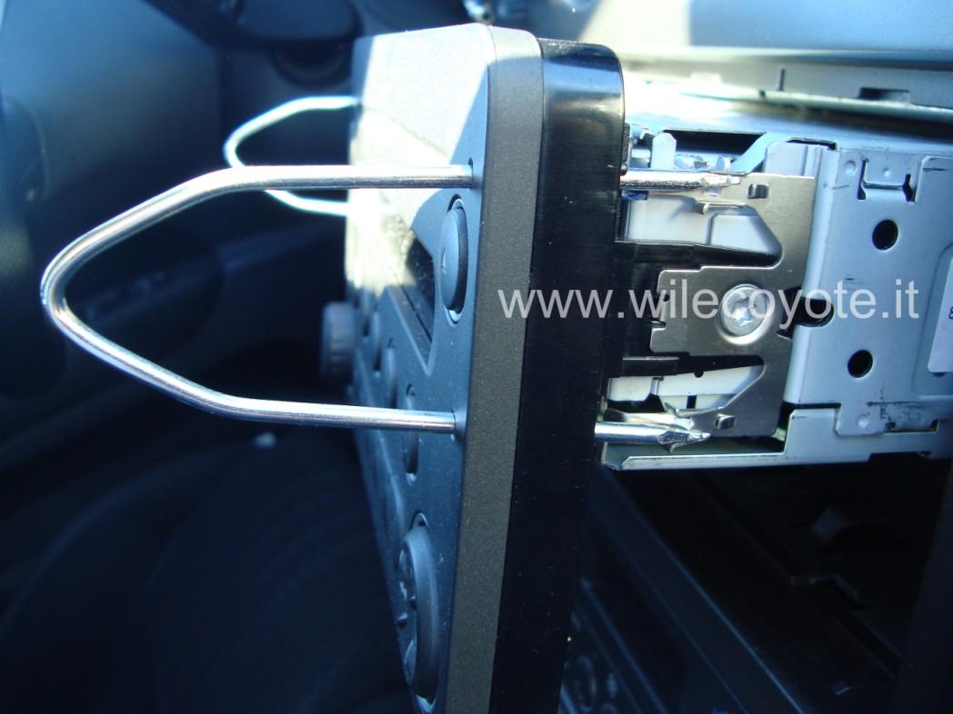 Schema Elettrico Navigatore Alfa 159 : Smontaggio autoradio alfa montare motore elettrico